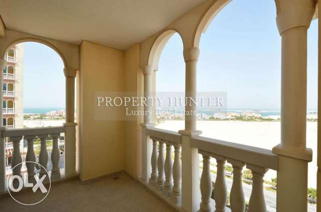 Spacious apartment 2 bed with sea views