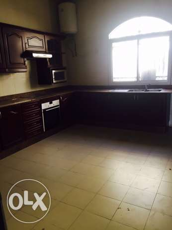 compound villa for rent only for families الغرافة -  6