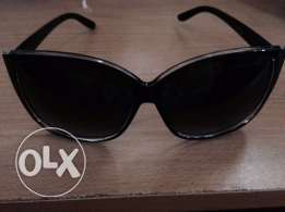 Used twice Sunglass in very good condition for Sale for Only 25QR