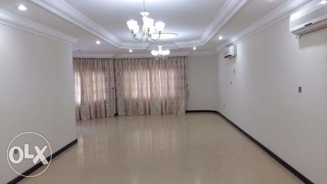 Stunning Standalone villa with pool Abuhamour Near Dar salam mall المعمورة -  3