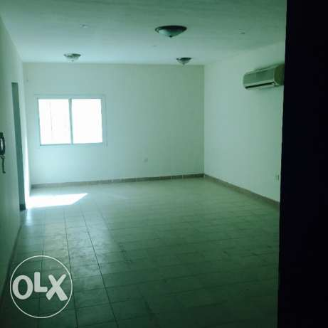 Spacious 2 bhk unfurnished flat in mansura for family