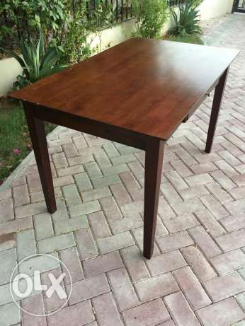 Study/computer table. Solid wood الريان -  2