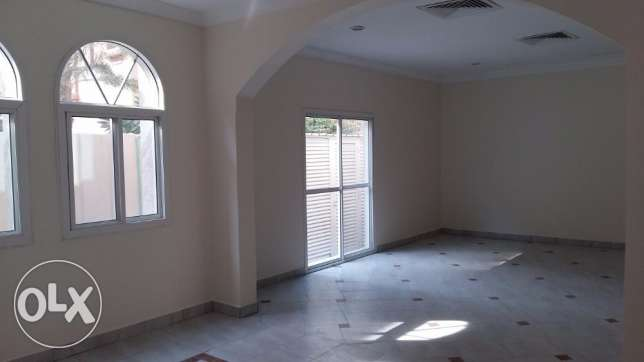 5 Bedroom villa in Abu Hamour for rent أبو هامور -  5