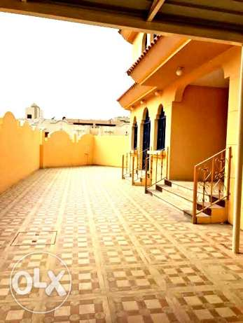 for bachelors..unfurnished 5 bedroom stand alone villa at old airport