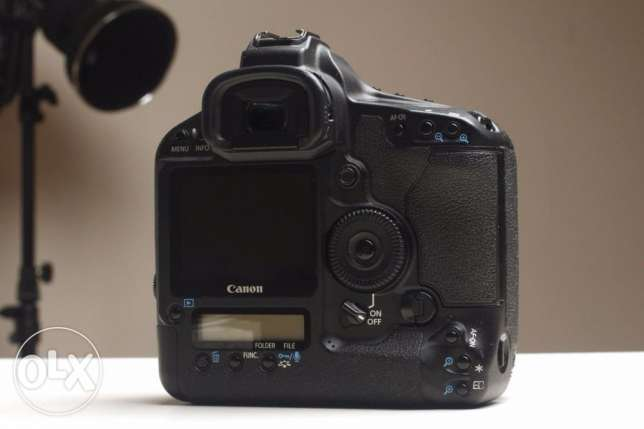 Brand new EOS-1Ds Mark III DSRL Camera
