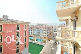 1 Bedroom with Relaxing Narrow Canal View