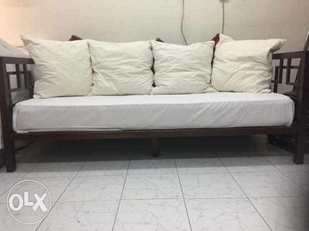Day bed (from Home centre) for sale