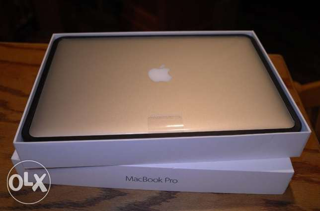 Apple macbook pro 15inch 512gb/16gb with retina display
