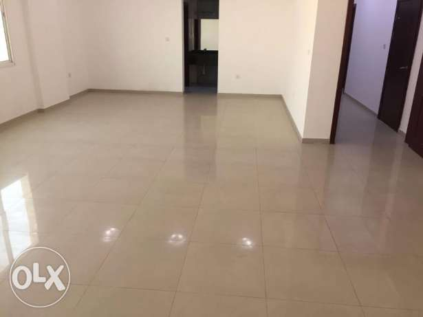 -:10500/- Spacious 4 bhk SF flat Muntazah