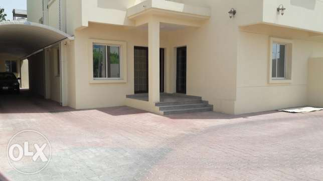 6BHK Villa - Near Al Ahli Club