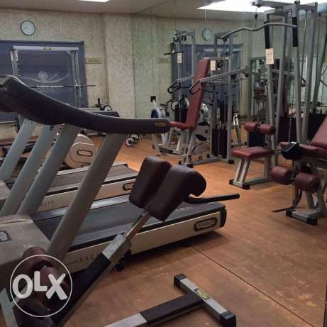 Fully Furnished HUGE 3-BR Flat in AL SADD,Pool.Gym
