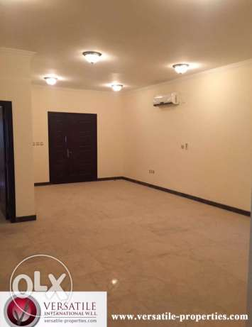SF 6-Masterrooms Villa in AL Kheesa+Pool مدينة الشمال -  2