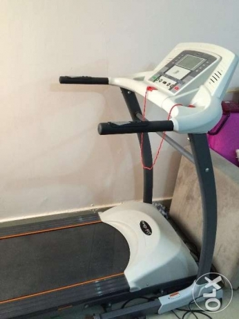 Treadmill for sale Wakrah