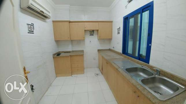 2Bedrooms Unfurnished Apartment For Rent Al Nasr