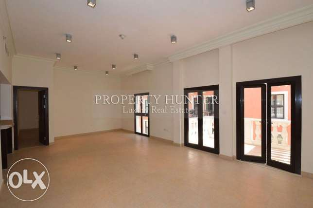3 Bedrooms Elegant apartment with colorful views الؤلؤة -قطر -  2