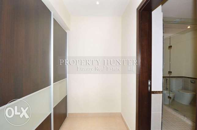3 Bedrooms apartment with both sea & canal views الؤلؤة -قطر -  4