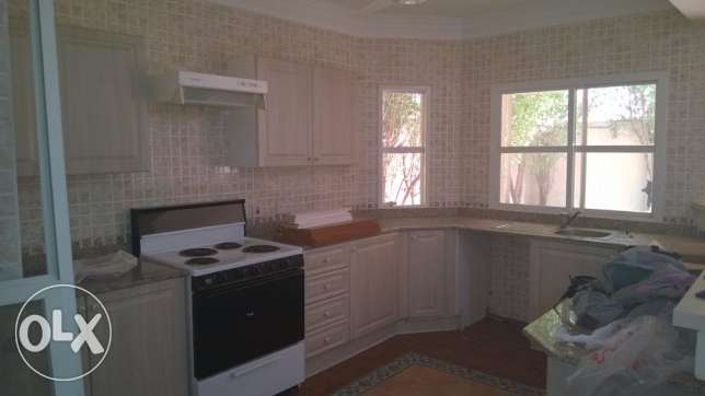 4 BR + maid room S/F Compound villa in hilal D ring Road