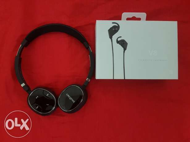 Two Bluetooth headset for 400