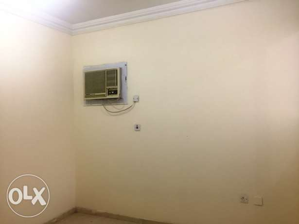 2 BHK Unfurnished Flat in Muntaza