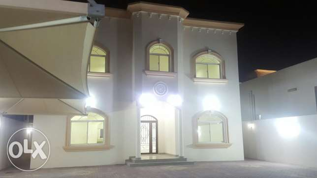 Beautiful 5 bedroom - Stand Alone Villa - Ain Khalid