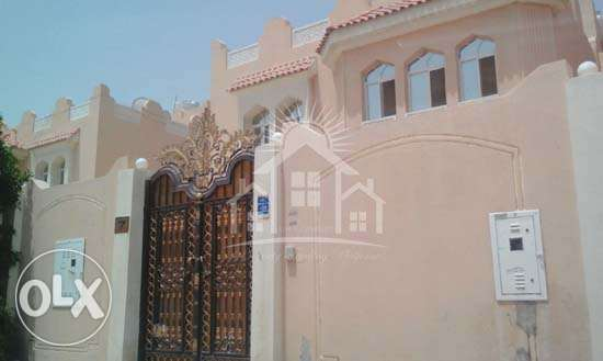LIC 529_Unfurnished 5 BHK Stand Alone Villa in Abu Hamour