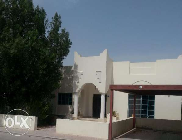 Beautiful 4 B/R One floor Villa with Huge Garden in Abuhamour