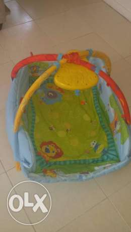 FREE Musical baby gym and cot bumper - good cond. no rip or stain المسيلة -  1