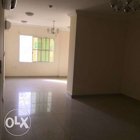 Unfurnished 2-Bedrooms Flat in AL. Muntazah