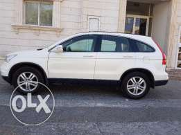 Honda crv 2011 very clean . All services has been in Honda services