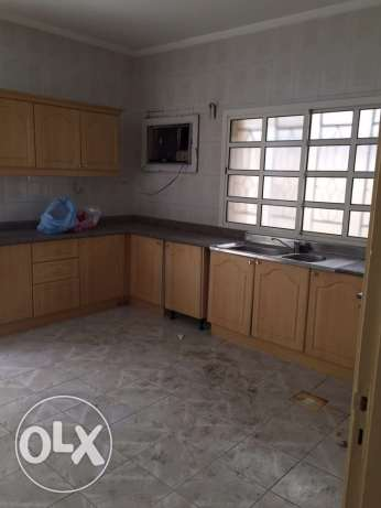 Semi Furnished 3-BR Villa in Fereej Bin Mahmoud فريج بن محمود -  8