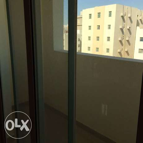 BRAND NEW Semi Furnished 2-Bedrooms Flat in Bin Mahmoud فريج بن محمود -  6