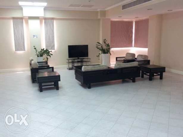 Semi-furnished, 5/BR Villa in Abu Hamour