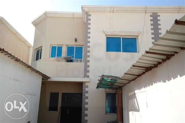 for family..2 family allowed excutives fully furnished 5 bhk villa