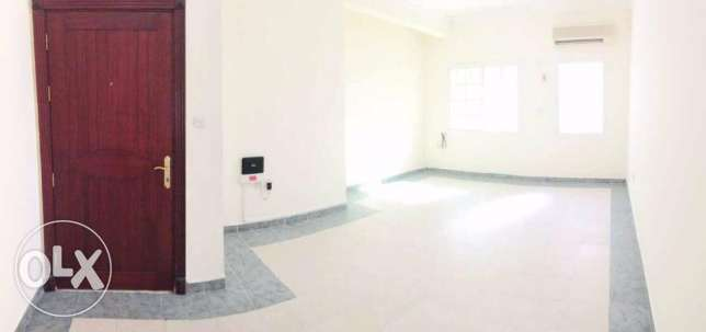 Unfurnished, 3 Bedroom Flat - Bin Mahmoud