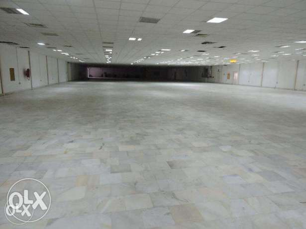 4540 meter Store for rent with Central AC
