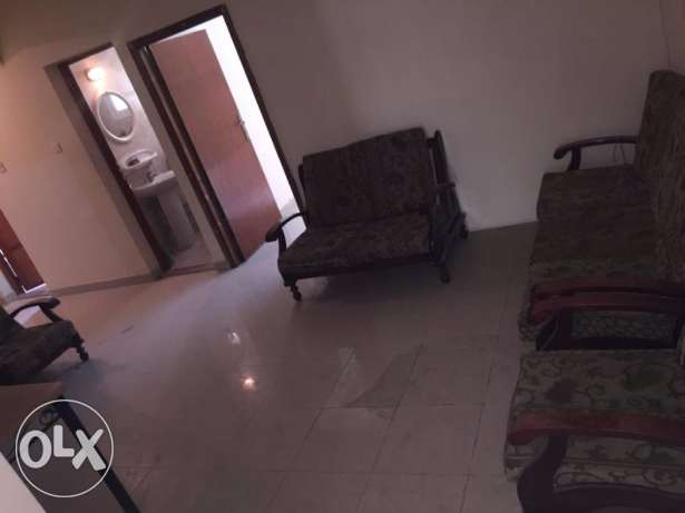 3 BHK Semi Furnished Flat Bin Omran:6500/- Ready 2 RENT