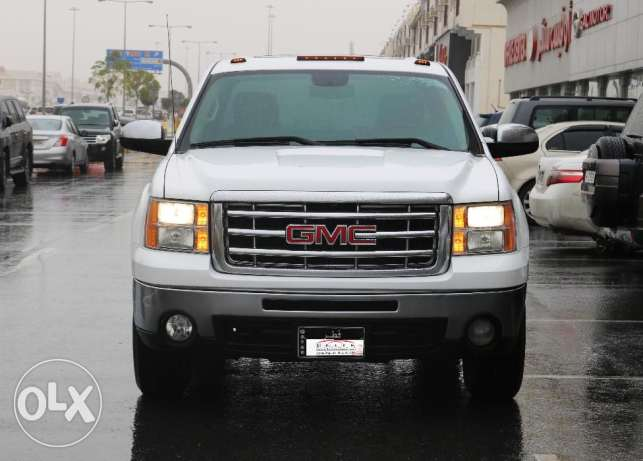 Used GMC Sierra SLE V8 Model 2011