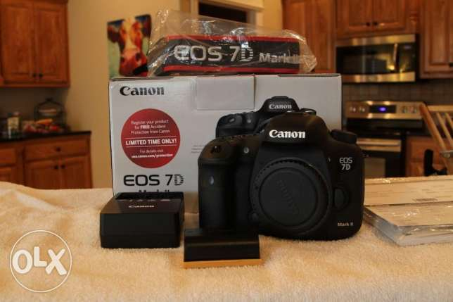 Canon Camera EOS 7D with box and full lens for sell