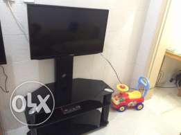 """Samsung 32"""" LED Full HD TV with Sony DVD player"""