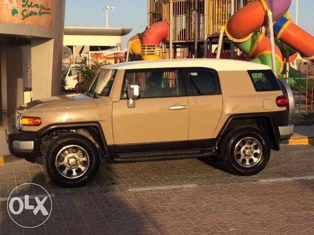 2013 model Fj cruiser in excellent condition