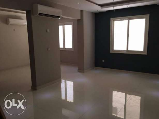 Luxury 2 bedrooms UN furnished with 2 bathrooms, large hall.