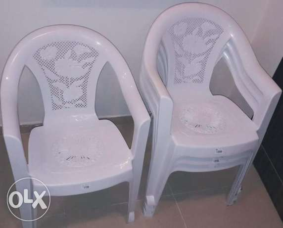Plastic chairs for Sale الوكرة -  1