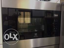 USED ONE TIME ONLY Built In Microwave & Grill Electrolux EMS26204O