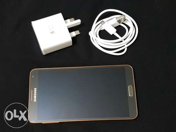 Samsung Not 3 4g gold color like new with charger and he'd phone