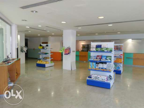 600 sqm shops for supermarket,cafeteria,pharmacy