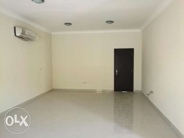 Brand new 4 bed room with out house stand alone villas in Duhail area