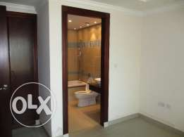 Elegant Beachfront Apartment In Pearl Qatar