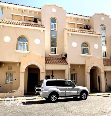 executive bachelors..Spacious 6 Bedroom Unfurnished Villa at New Salat