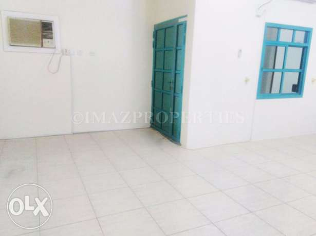 Unfurnished Flat with 2BHK For Rent المنتزه -  2