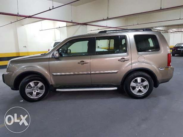 HONDA PILOT 4x4 with LOW Milage Lady driven Car for SALE